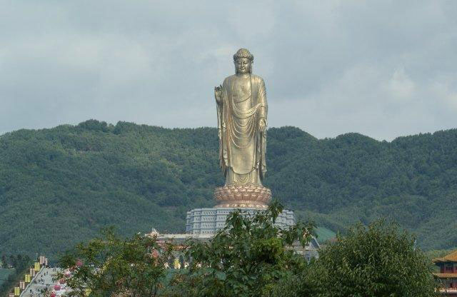 largest statues in the world