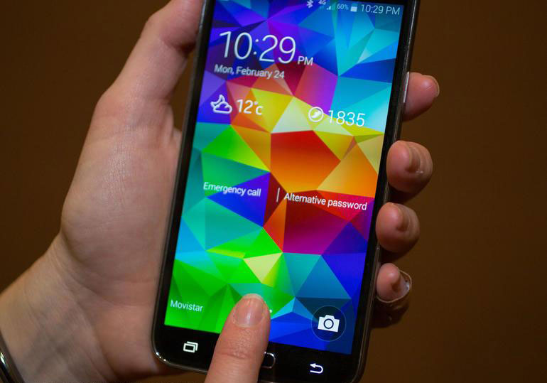 Galaxy S5 Finger Scanner vs iPhone 5s Touch ID