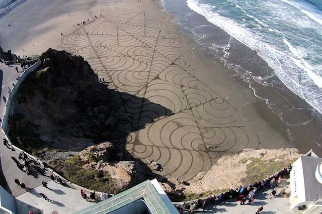 Sand-Paintings-by-Andres-Amador