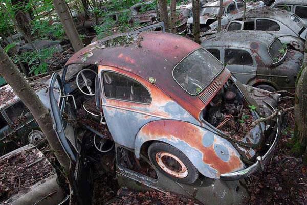 chatillon car graveyard belgium