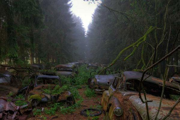 chatillon car graveyard belgium
