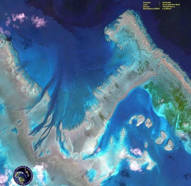 عکس های ارسالی ماهواره WorldView-2 دیواره بزرگ مرجانی استرالیا از ماهواره