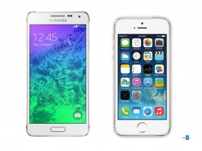 samsung-galaxy-alpha-vs-apple-iphone-5s-1