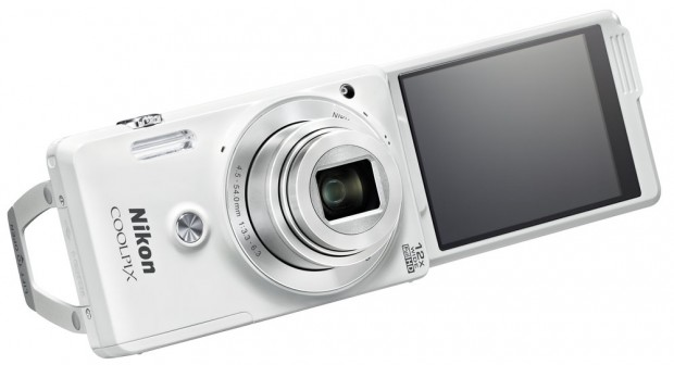 COOLPIX-S6900_WH_Stand_2_1410454691