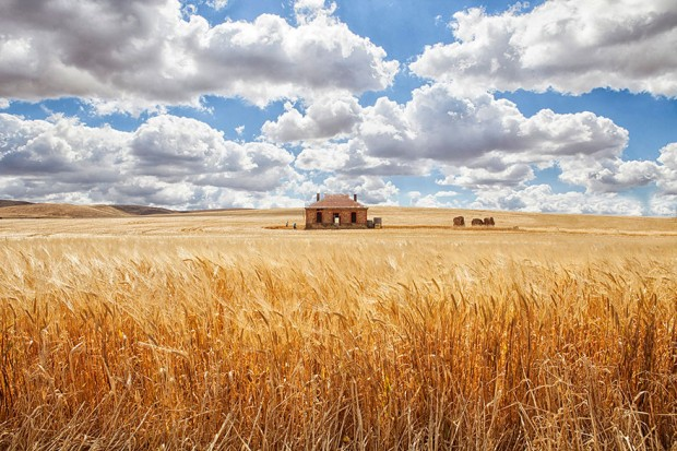 small-house-grand-nature-landscape-photography-3__880