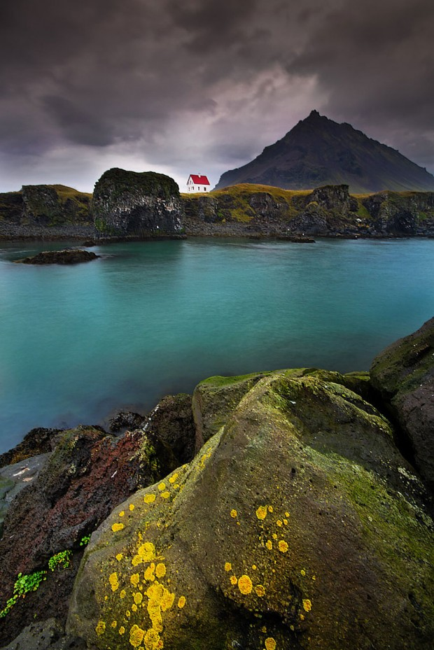 small-house-grand-nature-landscape-photography-9__880