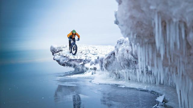 شناوری روی یخ/ هنسی جانسون