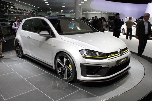 2015 Volkswagen Golf R400