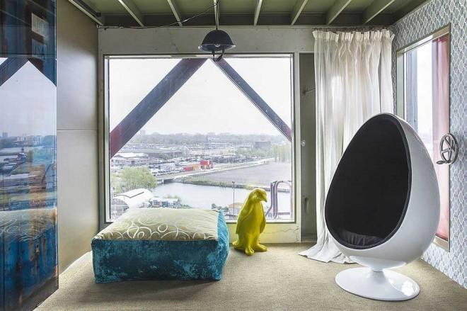 هتل لوکس جرثقیلی در آمستردام هلند