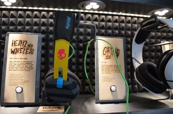 coolest-headphones-of-CES-2015-2