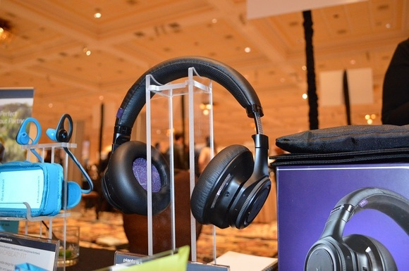 coolest-headphones-of-CES-2015-5