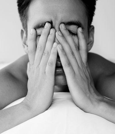 خواب کم ( کم خوابی) با بیماریهایی مثل فشار خون، دیابت و نارسایی های قلب و عروق ارتباط دارد
