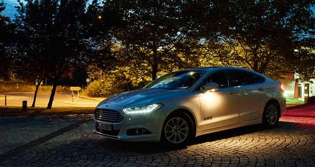 تماشا کنید : تکنولوژی جدید فورد برای افزایش ایمنی رانندگی در شب