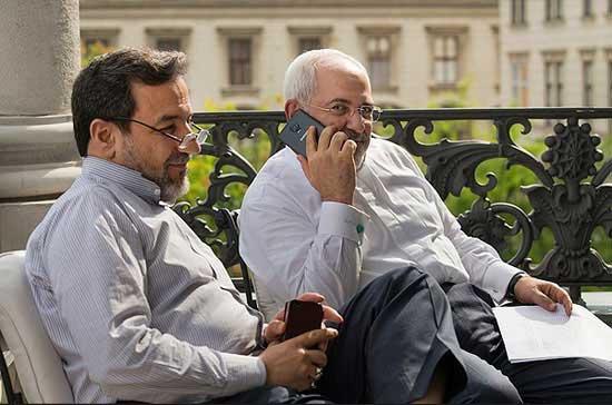 گوشی موبایل دکتر محمد جواد ظریف وزیر امور خارجه ایران