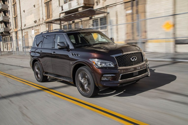 2015-infiniti-qx80-front-three-quarter-in-motion