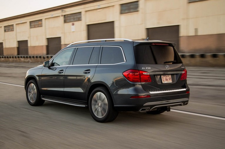 2015-mercedes-benz-gl450-4matic-rear-three-quarter-in-motion