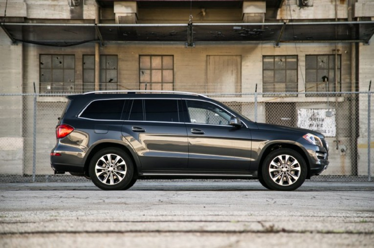 2015-mercedes-benz-gl450-4matic-side-profile