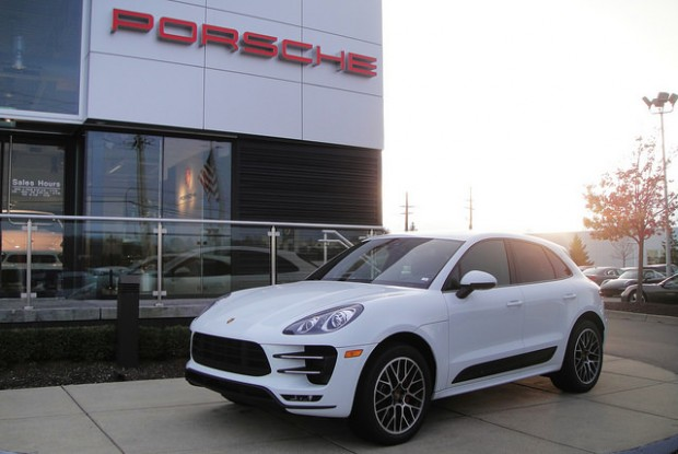 Porsche-Macan-Turbo