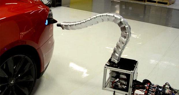 تماشا کنید : ربات مار شکل تسلا برای شارژ خودروهای الکتریکی