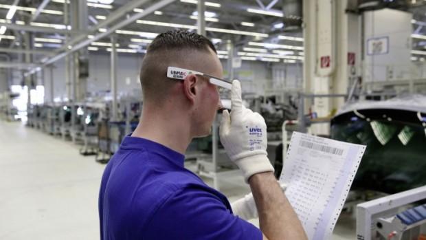 Volkswagen--google-glass-3