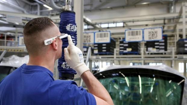 Volkswagen--google-glass-4