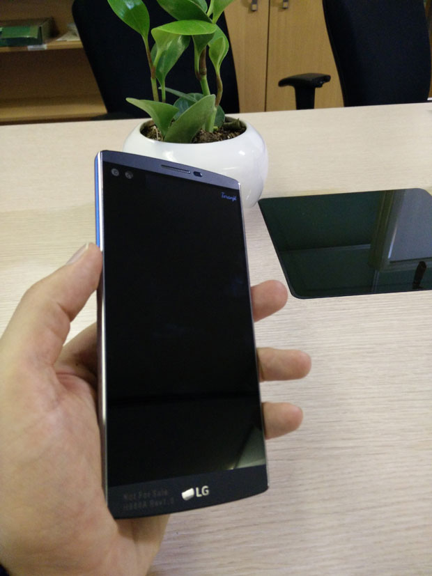 http://gadgetnews.ir/wp-content/uploads/2015/12/LG-V10-Gadgetnews-Hands-On-10.jpg