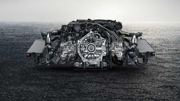 Porsche 911 Turbo S 2 620x349 بررسی فنی پورشه ۹۱۱ سوپر اسپورت جدید