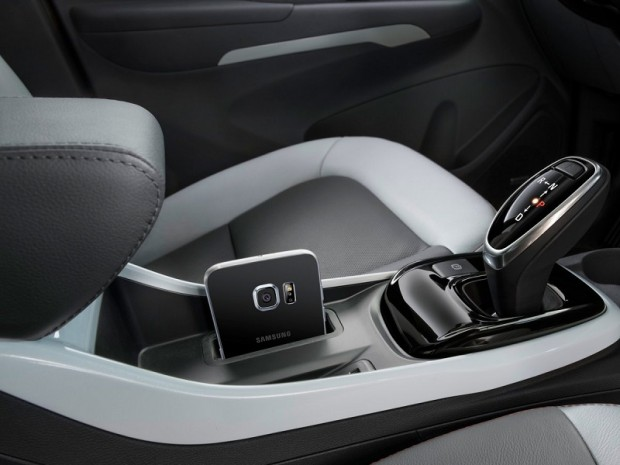 the-car-also-has-wireless-charging-in-the-console