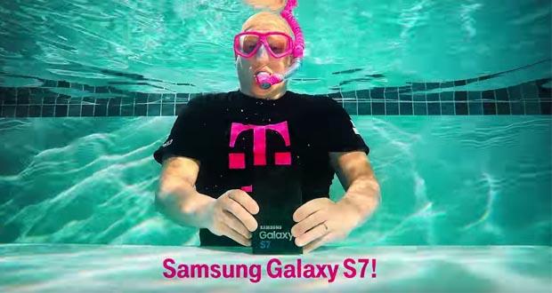 تماشا کنید- بازگشایی جعبه گلکسی اس ۷ در زیر آب