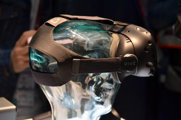 هدست واقعیت مجازی HTC Vive VR در ماه آپریل به قیمت ۷۹۹ دلار عرضه خواهد شد ۱
