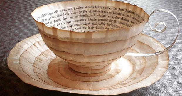 کتابهای قدیمی که تبدیل به فنجان و نعلبکی شده اند