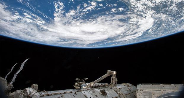 یک سال در فضا؛ تصاویر فوق العاده از سفر اسکات کلی به دور کرهی زمین
