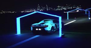 رقابت پهپاد با ابرخودروی مک لارن 650S در خیابان های دبی