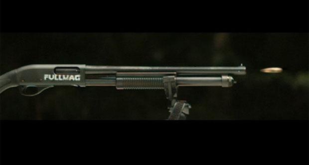 وقتی یک گلولهی کالیبر ۵۰ به داخل لولهی یک شاتگان شلیک میشود