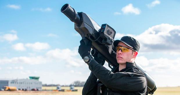 شکار پهپادهای مزاحم با موشکانداز قابل حمل SkyWall