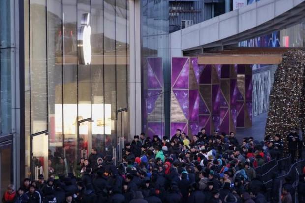 ۱۳.۵ میلیون آیفون در سه ماههی اول سال ۲۰۱۶ وارد بازار چین شده است
