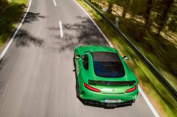 مرسدس بنز AMG GT R