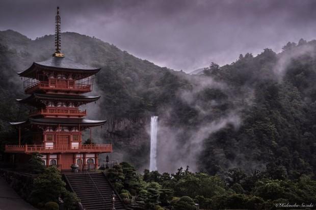 تصاویری از فصل باران در ژاپن که شما را به حال و هوای نقاشیهای رنگ روغن میبرد