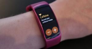 سامسونگ دستبند Gear Fit2 را به صورت رسمی روانهی بازار کرد