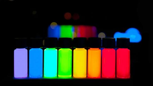 مقایسه صفحه LCD با OLED