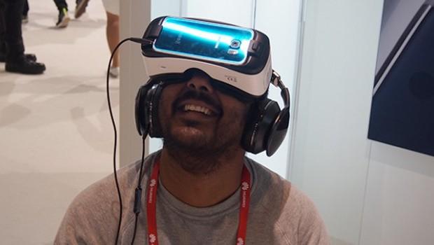 سامسونگ در حال کار بر روی مدل جدید هدستهای واقعیت مجازی گیر وی آر است