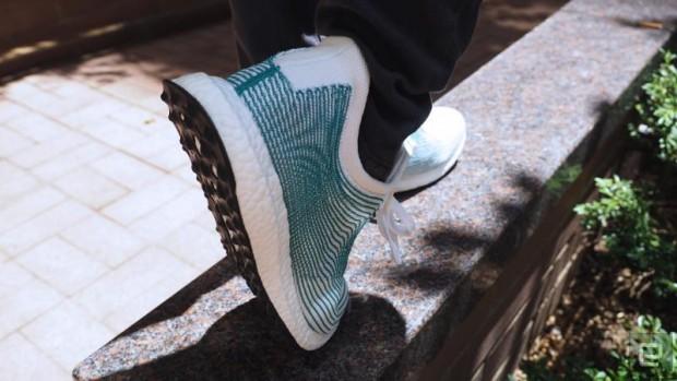 کفشهای بازیابی شده از پلاستیک اقیانوسی آدیداس