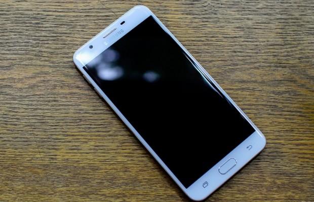 گوشی Samsung Galaxy J7 Prime
