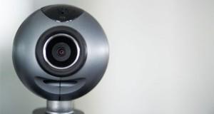 آگاه باشید: هک دوربین های مدار بسته در اتاق کودکی در آمریکا و پخش آن بر روی اینترنت!