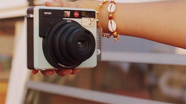 لایکا دوربین Sofort را معرفی کرد؛ چاپ سریع عکسها (7)