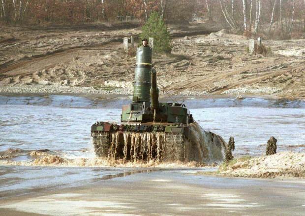 تانک لئوپارد 2