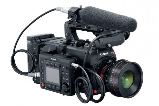 دوربین کانن EOS C700