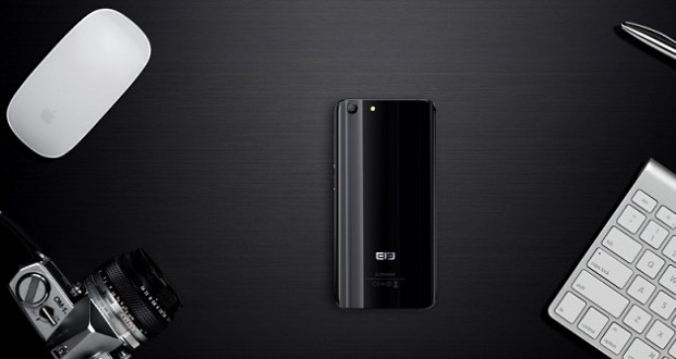 گوشی الفون S7