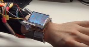 ساعت هوشمند WristWhirl
