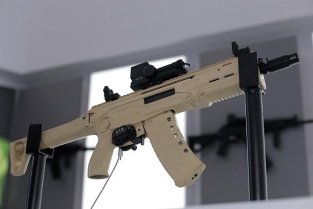 اسلحه های تهاجمی شرکت کلاشنیکف